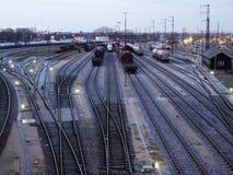De goederen van de spoorweginfrastructuur en het systeem van het passagiersvervoer stock afbeelding