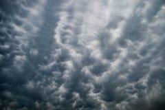 De golfachtergrond van de duisternis donkere wolk Stock Foto