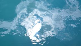 De golfoceaan van de waterlijn stock video