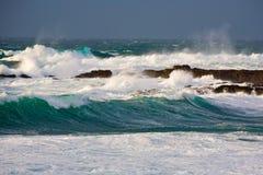 De golven van het onweer Stock Afbeeldingen