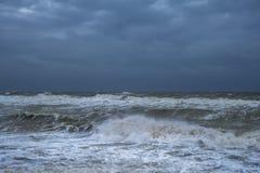 De golven van het onweer royalty-vrije stock foto