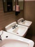 De gootstenen van de badkamers royalty-vrije stock afbeeldingen