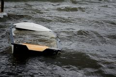 De gootstenen van de boot Stock Foto's