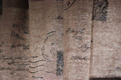 De gordijnen van de oud-schoolenvelop Stock Foto's