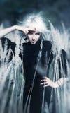 De Goth de femme verticale à l'extérieur Image libre de droits
