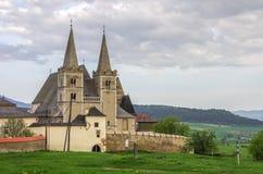 De gotische kathedraal van heilige Martins en muur van fortness van het westenu royalty-vrije stock afbeelding