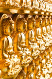 De gouden achtergrond van Boedha Stock Afbeeldingen
