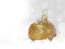 De gouden ballen van Kerstmis Stock Afbeeldingen