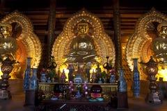 De gouden beelden van Boedha Stock Afbeeldingen