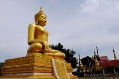 De gouden Birmaanse de kunst Thaise stijl van Boedha mengde Thais art. De grens van Thailand, stock foto