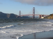 De gouden brug van de Poort in recente middag Stock Afbeelding