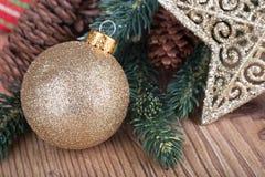 De gouden Close-up van de Kerstmisbal Stock Foto