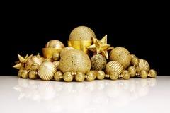De gouden decoratie van Kerstmis Royalty-vrije Stock Afbeeldingen