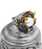 De gouden en zilveren Turkse ring van de Ottomane met parel Royalty-vrije Stock Afbeelding