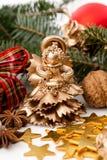 De gouden engel van het Kerstmisstandbeeld Royalty-vrije Stock Foto's