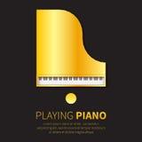 De gouden Grote piano en de stoel van de folie Hoogste mening Royalty-vrije Stock Foto's