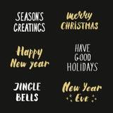 De gouden het van letters voorzien Winter komt met Kerstmisdecoratie en vector illustratie