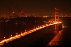 Golden gate bridge bij nacht royalty-vrije stock afbeeldingen