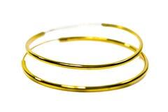 De gouden juwelen van de tegenhangerkamee in grote cirkelvorm die geïsoleerd o zetten Royalty-vrije Stock Fotografie