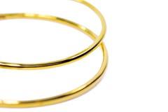 De gouden juwelen van de tegenhangerkamee in het grote cirkelontwerp geïsoleerd zetten Royalty-vrije Stock Afbeeldingen