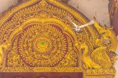 De gouden overspannen Lanna-stijl vormde Boeddhistische kerk in Wat Phra Singh, Tempel van Lion Buddha Wat Phra Singh is belangri royalty-vrije stock foto