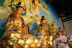 De gouden standbeelden van Boedha Royalty-vrije Stock Afbeeldingen