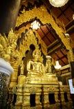 De gouden standbeelden van Boedha Stock Foto