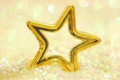 De gouden ster met schittert royalty-vrije stock afbeelding