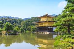 De Gouden Tempel van de Kinkakujitempel in Kyoto, Japan Royalty-vrije Stock Afbeeldingen