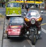 De Gouden Vleugel GL1100, bus Volkswagen van Honda van de motorfiets Royalty-vrije Stock Afbeeldingen