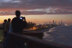 De gouden zonsondergang van de Kust van vooruitzicht royalty-vrije stock afbeelding