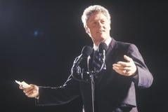 De gouverneur Bill Clinton richt een menigte bij een de campagneverzameling van Texas in 1992 op zijn definitieve dag van het een Royalty-vrije Stock Foto's