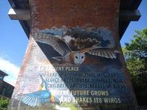 De graffitivogel van de uil byker brug royalty-vrije stock foto's