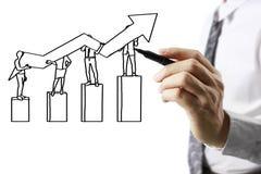 De grafiek van de zakenmantekening het groeien grafiek Royalty-vrije Stock Fotografie