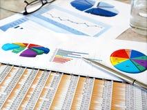 De grafieken van de investering. Stock Afbeeldingen