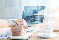 De grafieken van de zakenmantekening Royalty-vrije Stock Foto