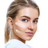 De grafische lijnen toont gezichts het opheffen effect op huid stock foto's