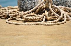 De gran tamaño de cuerda de barco fotos de archivo