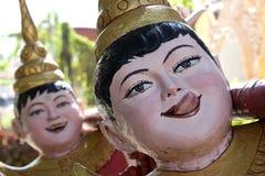 De grappige Boeddhistische Standbeelden van de Tempel Stock Fotografie