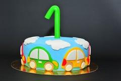 De grappige cake van het de jonge geitjesfondantje van het auto'sthema royalty-vrije stock foto