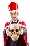De grappige die koning met schedel op wit wordt geïsoleerd Stock Fotografie