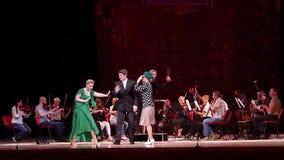 De grappige directeur van het Operatheater stock videobeelden