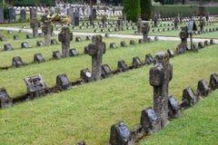 De graven van leden van St Joseph Congregation op de begraafplaats in Ursberg, Duitsland stock foto's