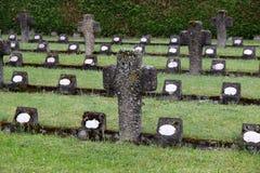 De graven van leden van St Joseph Congregation op de begraafplaats in Ursberg, Duitsland stock afbeelding