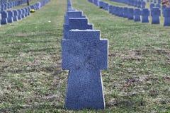 De graven van militairen Stock Afbeeldingen