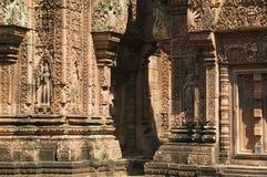 De Tempel van Srei van Banteay, Kambodja Stock Afbeeldingen