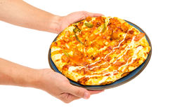 de greeppizza van de mensenhand Stock Fotografie