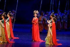 De grens douane-vier handeling ` belemmerde inklaring ` - Epische de Zijdeprinses ` van het dansdrama ` royalty-vrije stock afbeeldingen