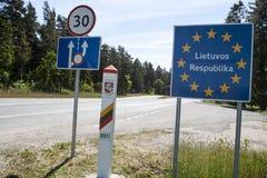 De grensteken van het land van Litouwen Stock Foto's