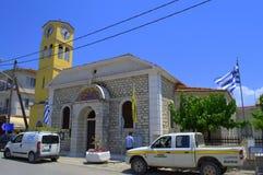 De Griekse kerk van de eilandstraat stock foto